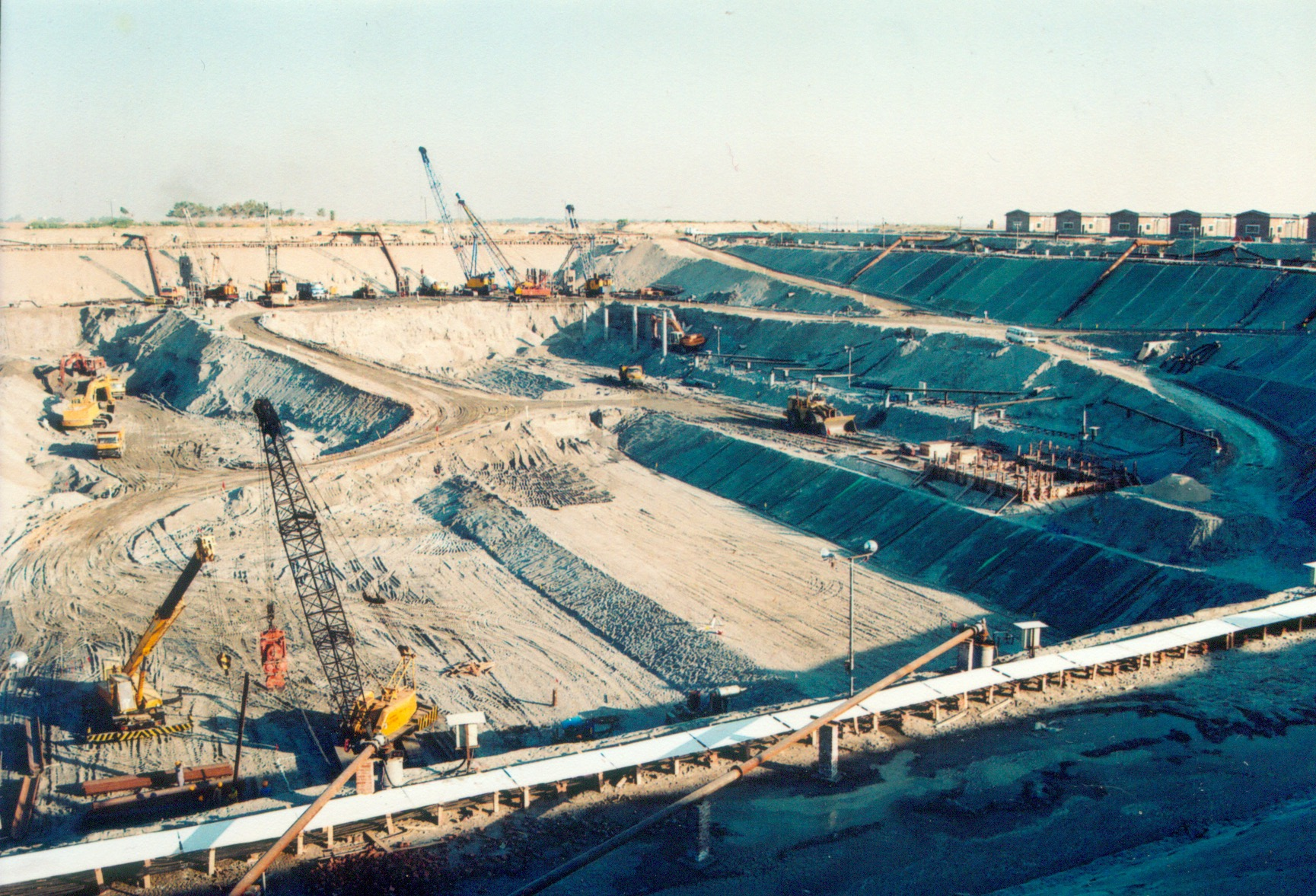 Dewatering at Chashma Barrage The biggest dewatering project in the world
